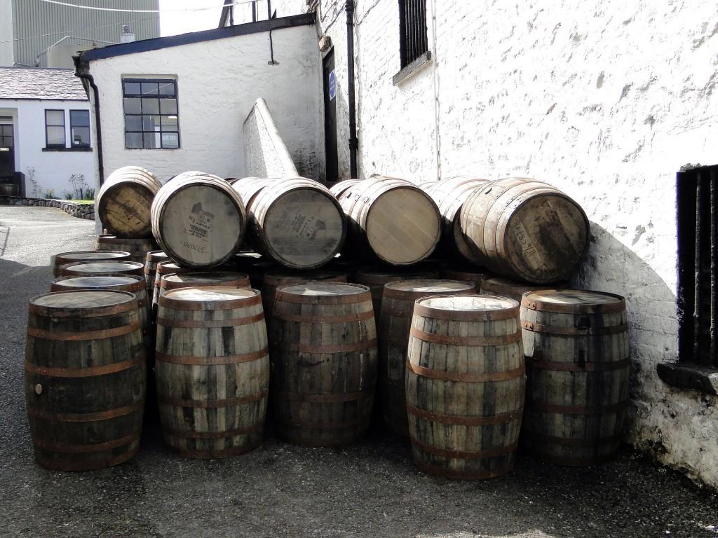 Fässer mit leckerem Rum.